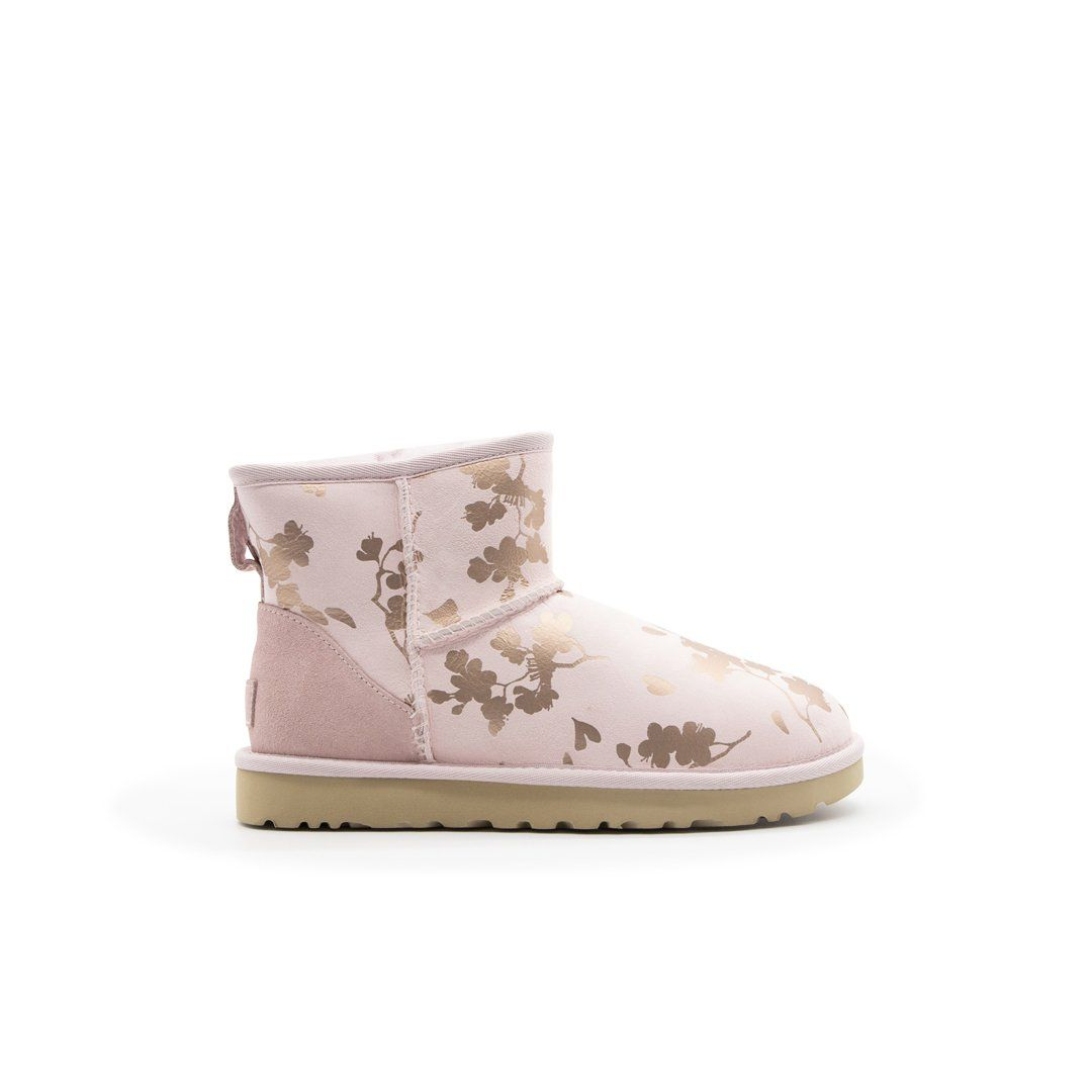 Ugg UGG WOMEN'S PINK SUEDE ANKLE BOOTS
